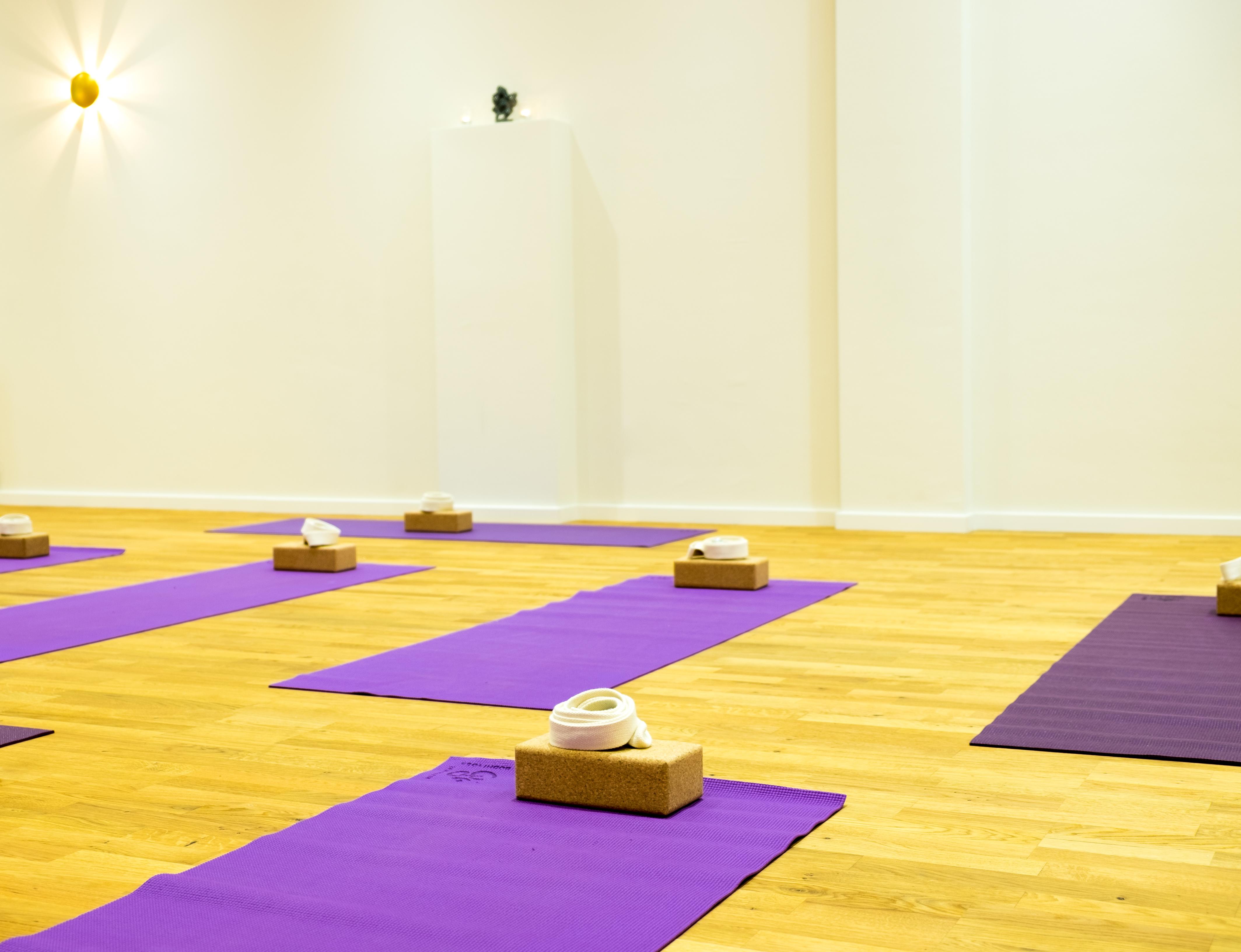 Yogaraum mit Matten2